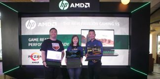(Ka-Ki) Edo Jonathan Chandra, Indonesia Market Development Manager, HP Inc., Cen Armawati, Marketing Manager, AMD Indonesia dan Hansen Wijaya, Indonesia Consumer Personal System Category Lead, HP Inc., memperkenalkan HP Pavilion Gaming 15 yang ditenagai prosesor AMD® Ryzen™ Mobile.