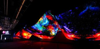 CES Spectators Mesmerized Yet Again With LG's Spectacular OLED 'Wave' And 'Fountain' Exhibitions